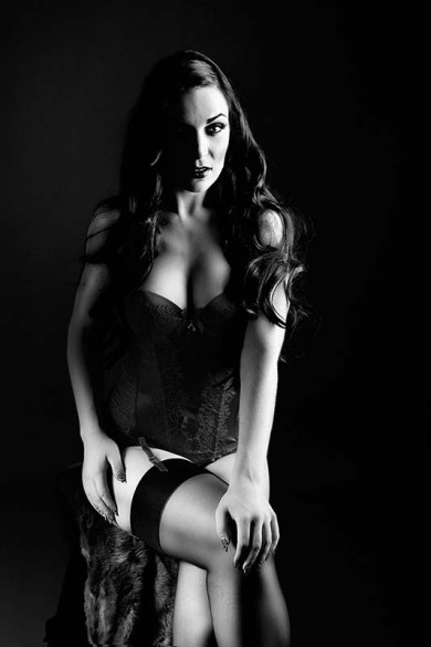 010215_lucyluxesailor_0003bw